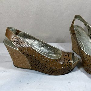 Kenneth Cole Reaction Wedge Sandals Size 8.5